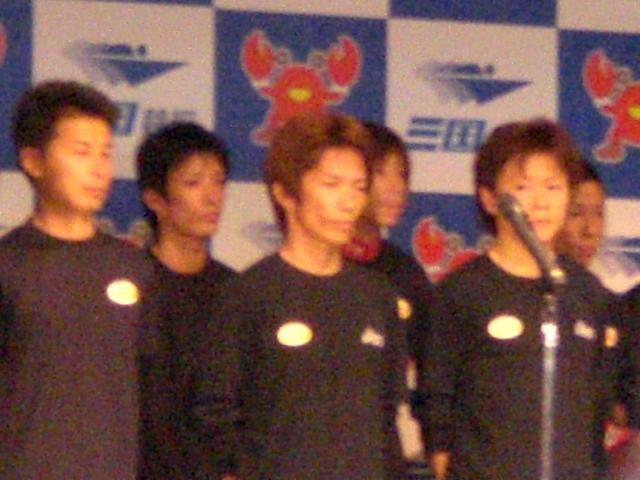 吉田一郎選手。にらみを利かせてます!?