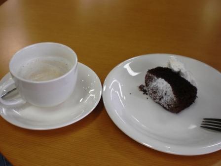 ガトーショコラもどき。案外カロリーは低いです。