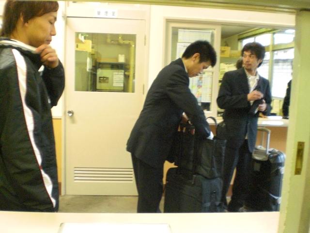 先輩をお見送りする4500・山田康二選手